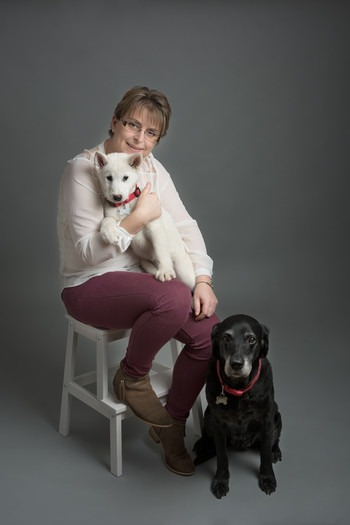Marie at Slice of Life Photography - With her two cute pet dogs